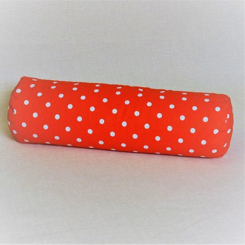 Pohánkový relaxačný valec 20 x 70 cm červený puntík